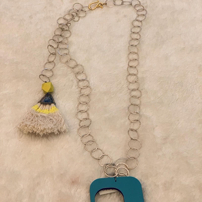 Wood top necklace Blue