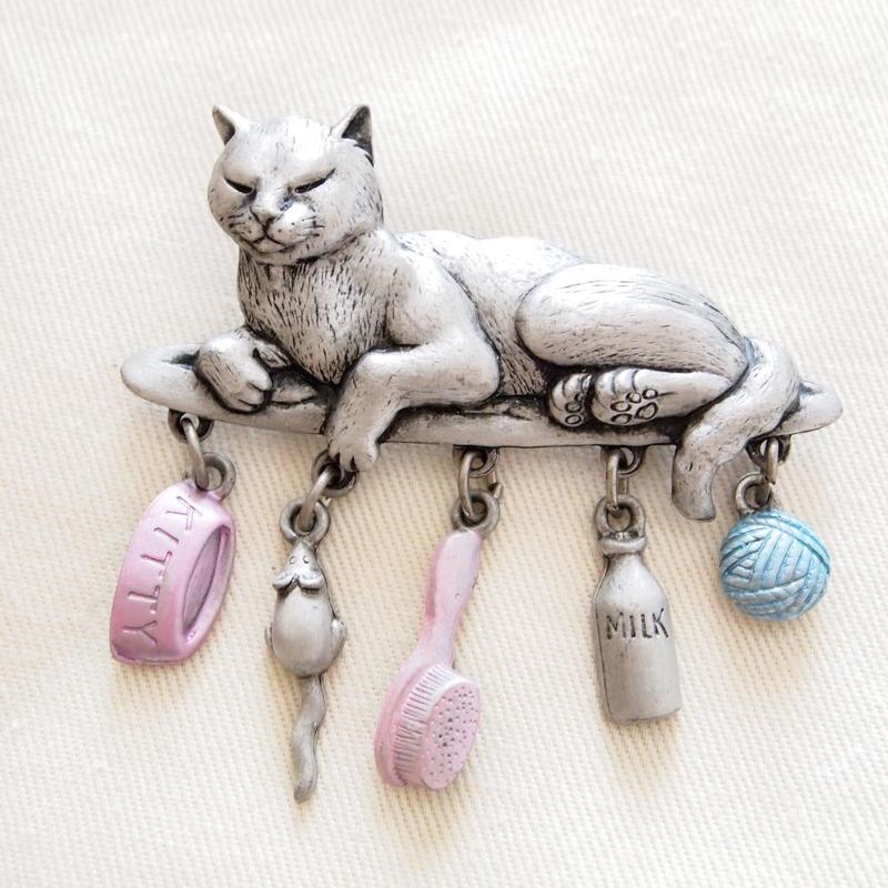 JJ ヴィンテージブローチ 猫と宝物