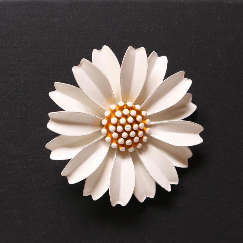 Crown TRIFARI クラウントリファリ /1960's ホワイトエナメルデイジー ヴィンテージブローチ