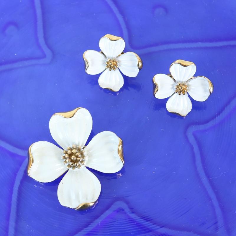 【再入荷しました】Crown TRIFARI/クラウントリファリ ハナミズキホワイト(小) ヴィンテージブローチ 4