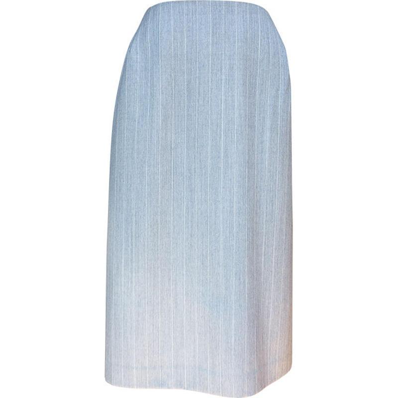 タック入りスカート