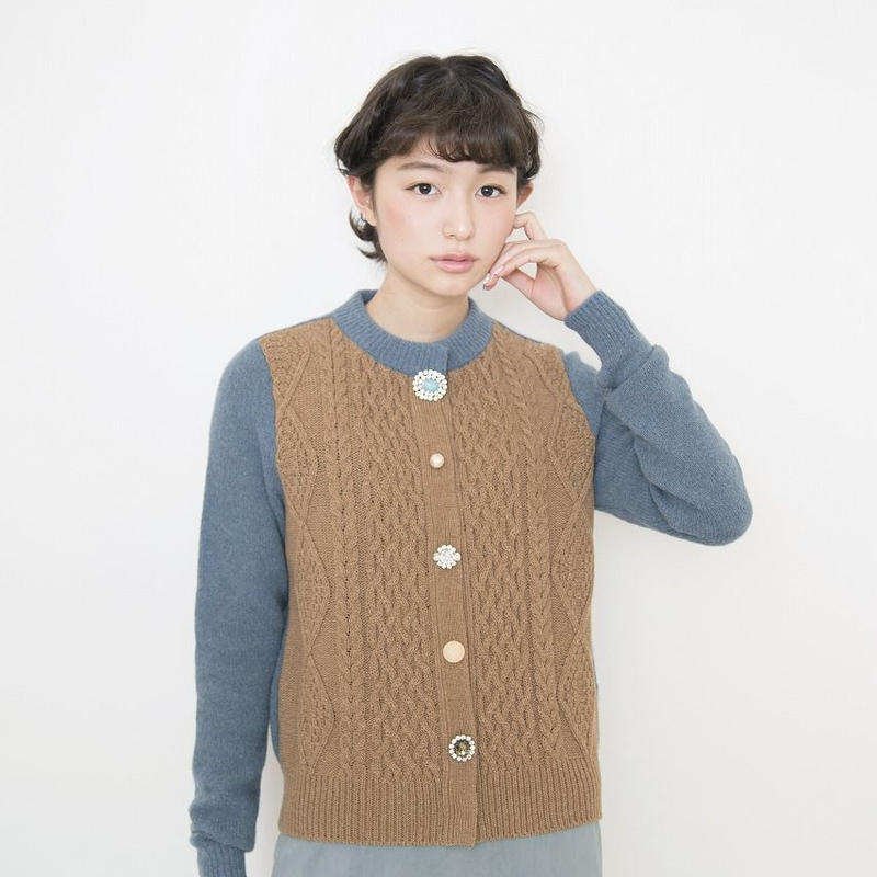 【SALE】cable bijoux Cardigan beige x blue