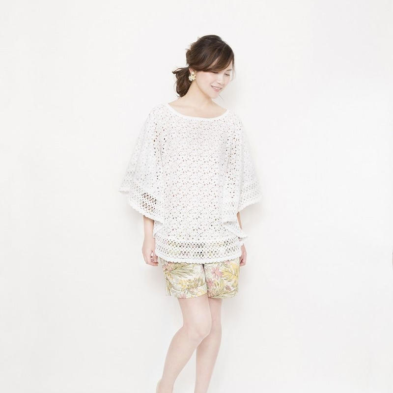 crochet lace Pullover off white