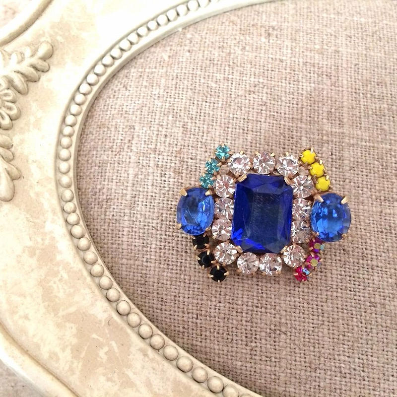bijou brooch ③ blue x multi