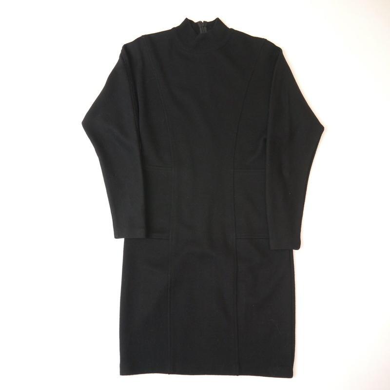 Hi-neck knit dress
