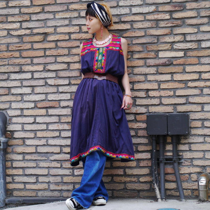 70s no-sleeve embroidery dress