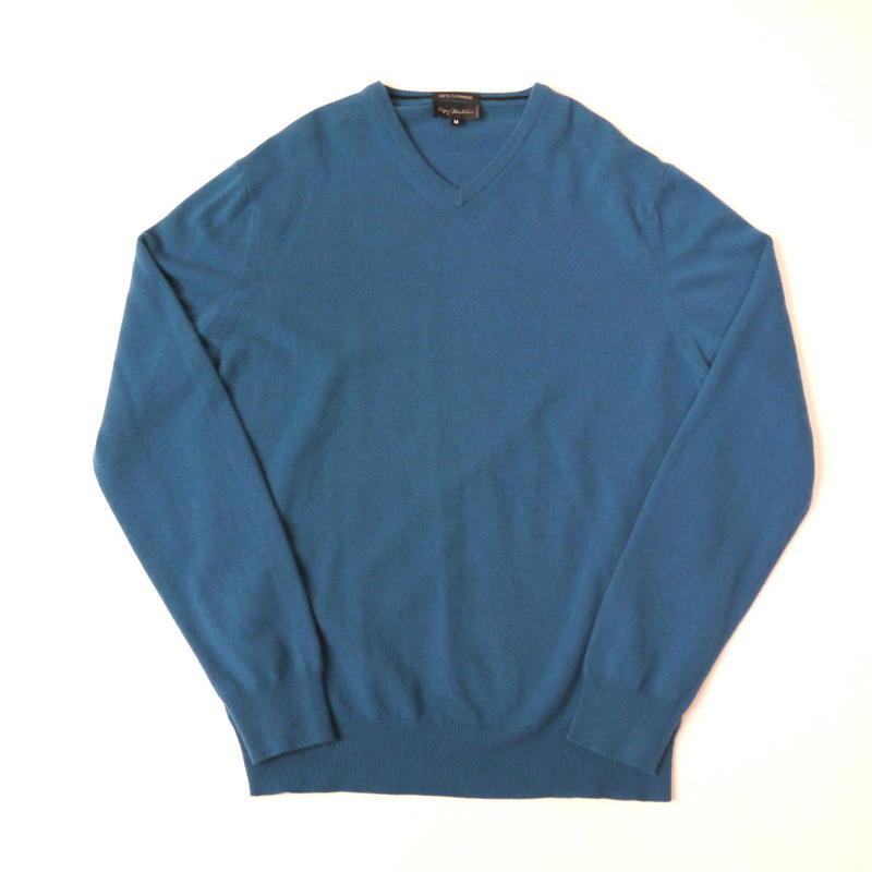 V-neck cashmere knit