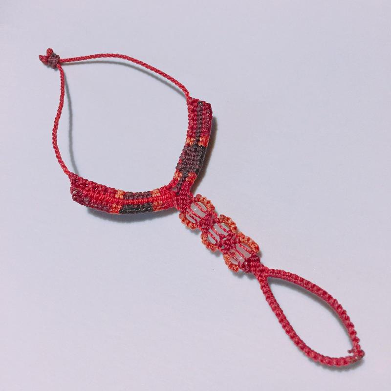 マクラメ編み 中指ブレスレット