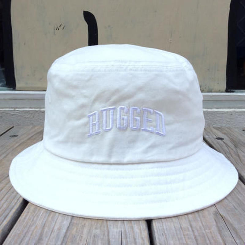 RUGGED on Champion ARCH LOGO buckethat ホワイト