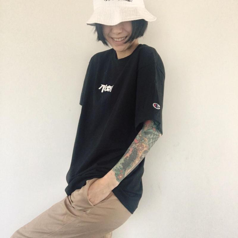 Champion ✖︎ パxセxリ ◎ 刺繍ロゴTシャツ