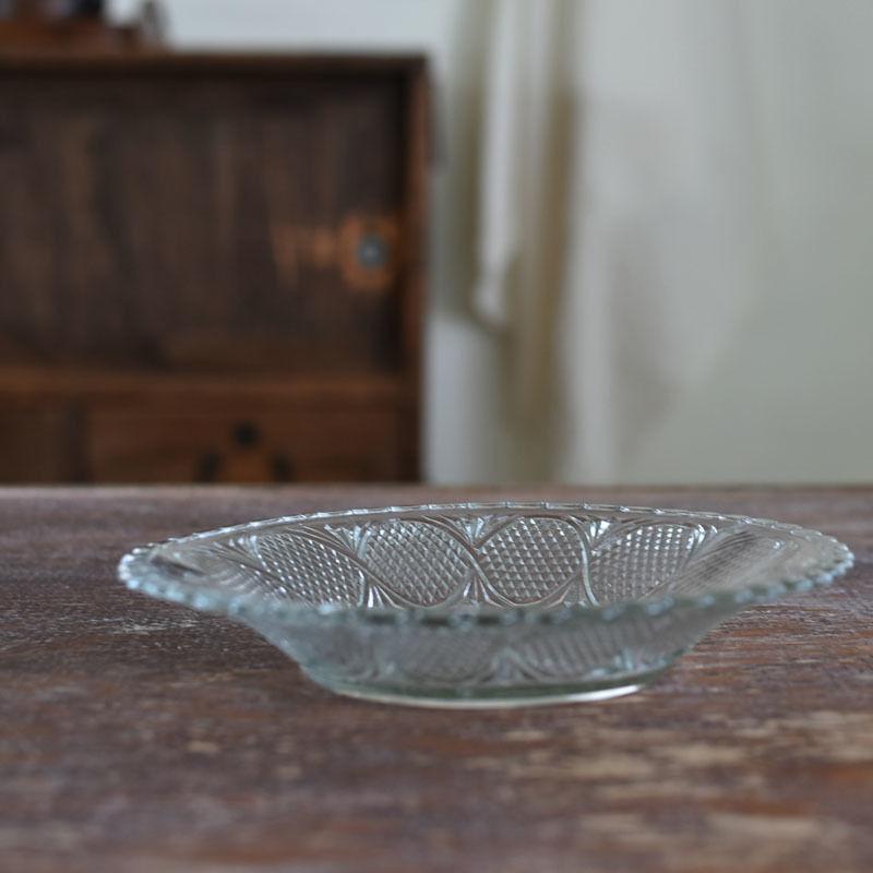 古道具部 プレスガラス皿フリル縁