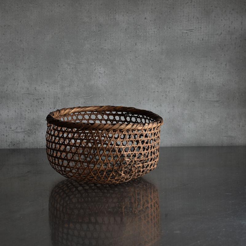 古道具部 六つ目編みの竹籠