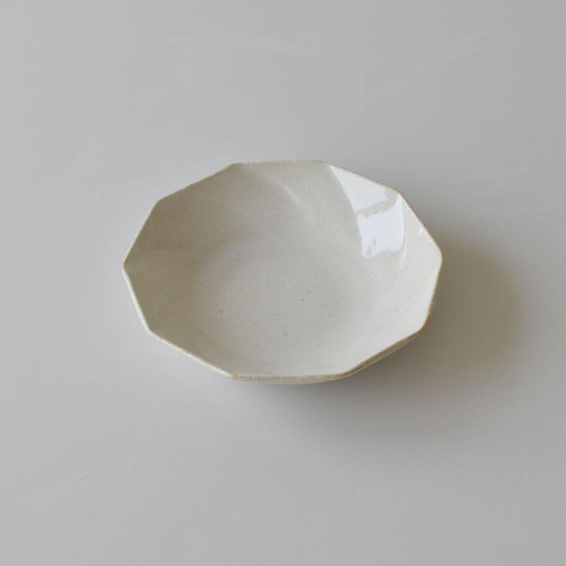 たくまポタリー 6寸皿 ねじり10角  白
