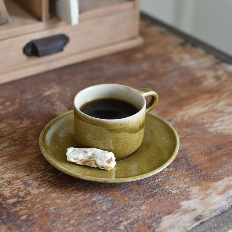 たくまポタリー カップ&ソーサー キャラメル・こげ茶・オリーブ