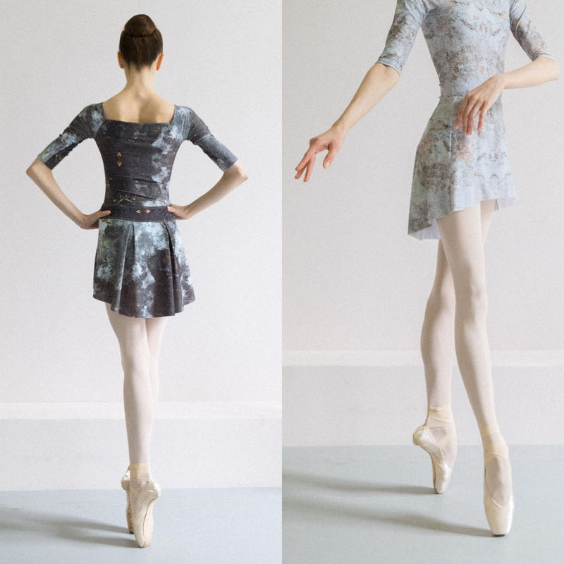 [Zi dancewear] The Skirt Stretches, stained with the print Delicate Dirt & Mud