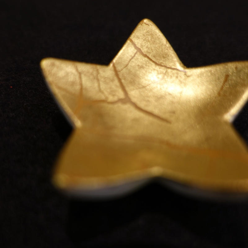箸置き(星型金箔彩赤)