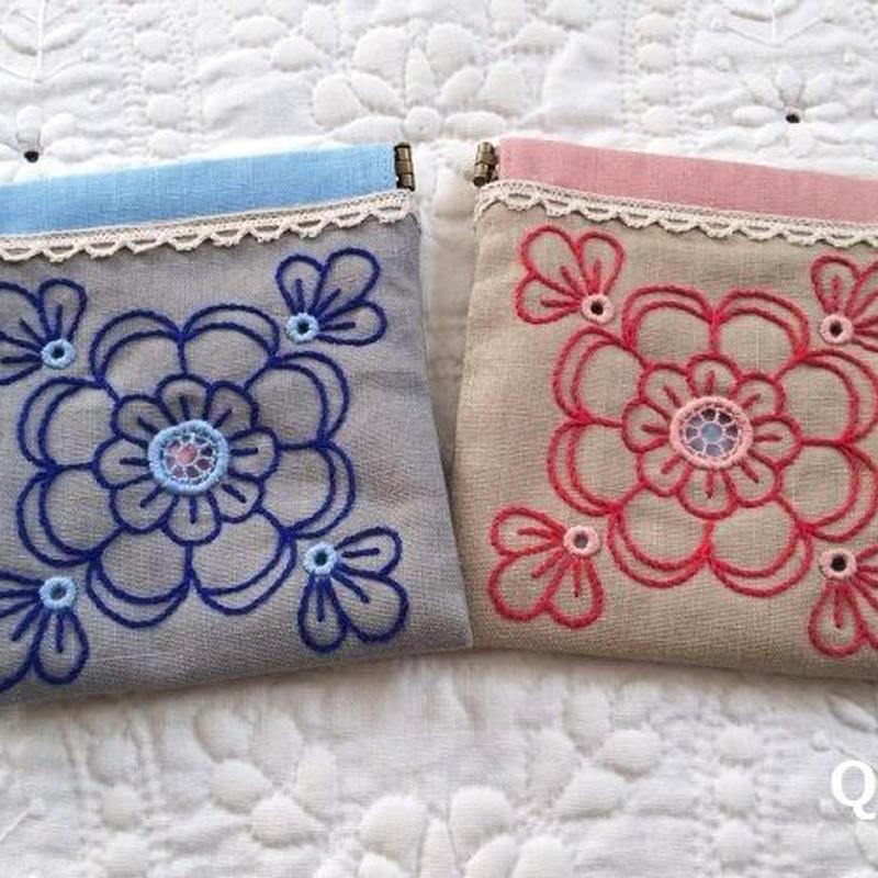 ヘデボ刺繍のお花のバネポーチ