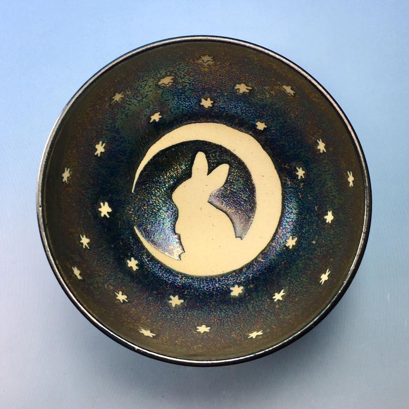 【G062】月夜のうさぎ柄のご飯茶碗(銀彩釉・手描き)