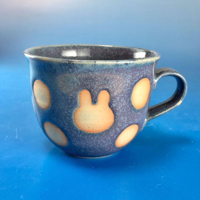 【M066】広口のうさぎ水玉模様のマグカップ小(紫乳濁釉・うさぎ印)