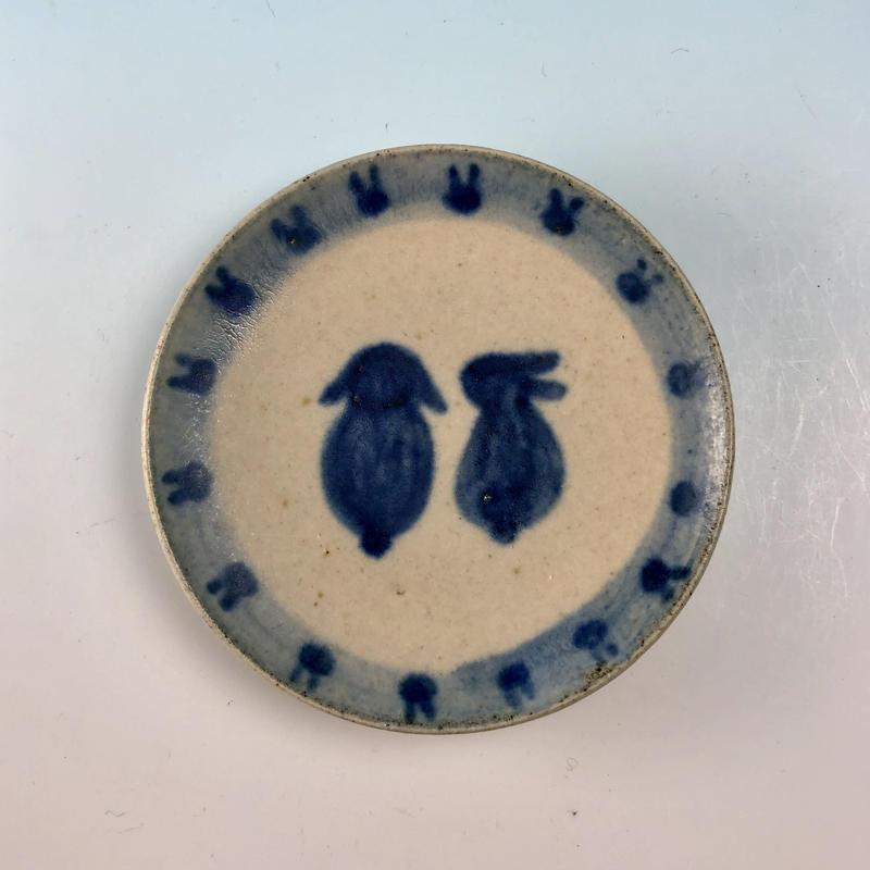 【S064】豆皿(呉須手描き・うさぎ印)