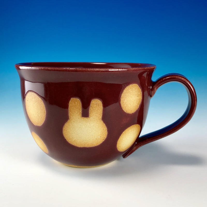 【M205】広口のうさぎ水玉模様のマグカップ大(ボルドー・うさぎ印)