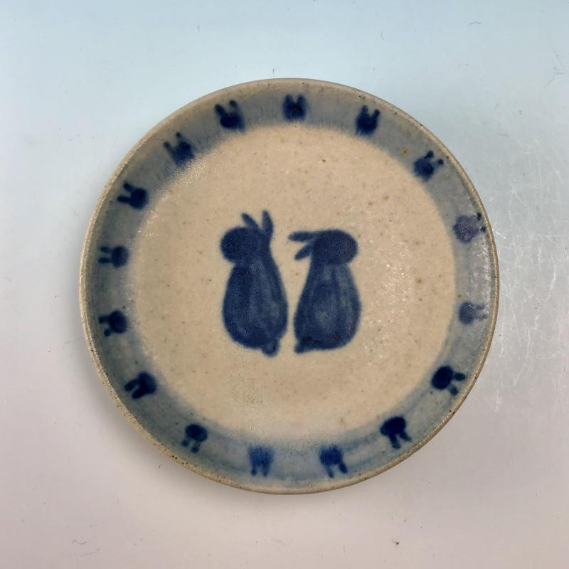 【S065】豆皿(呉須手描き・うさぎ印)