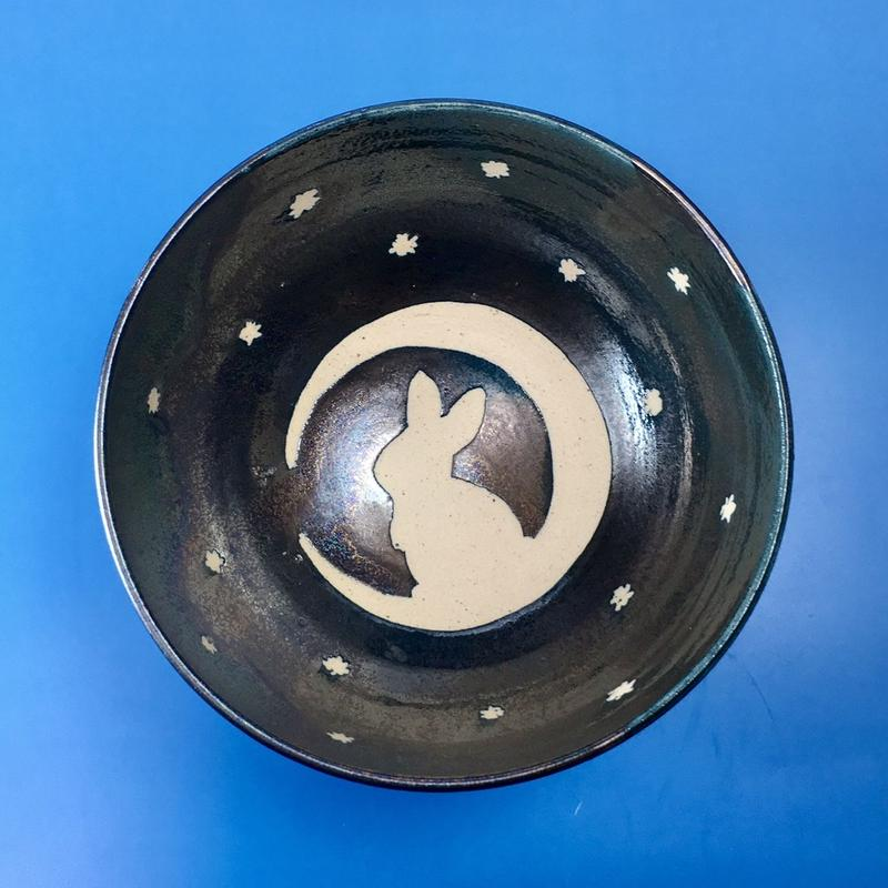 【G007】月夜のうさぎ柄のご飯茶碗(銀彩釉・手描き)