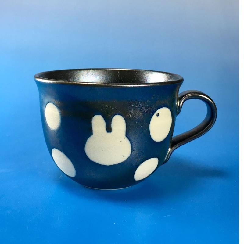 【M060】広口のうさぎ水玉模様のマグカップ小(銀彩釉・うさぎ印)