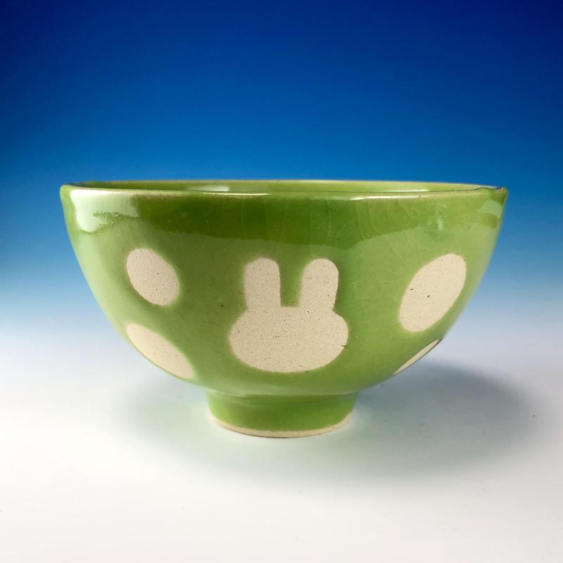 【G099】うさぎ水玉模様のご飯茶碗(アップルグリーン・うさぎ印)