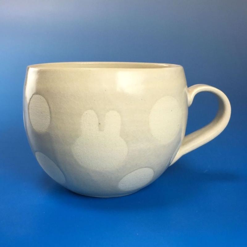 【M038】丸いフォルムのうさぎ水玉模様のマグカップ小(白マット・うさぎ印)