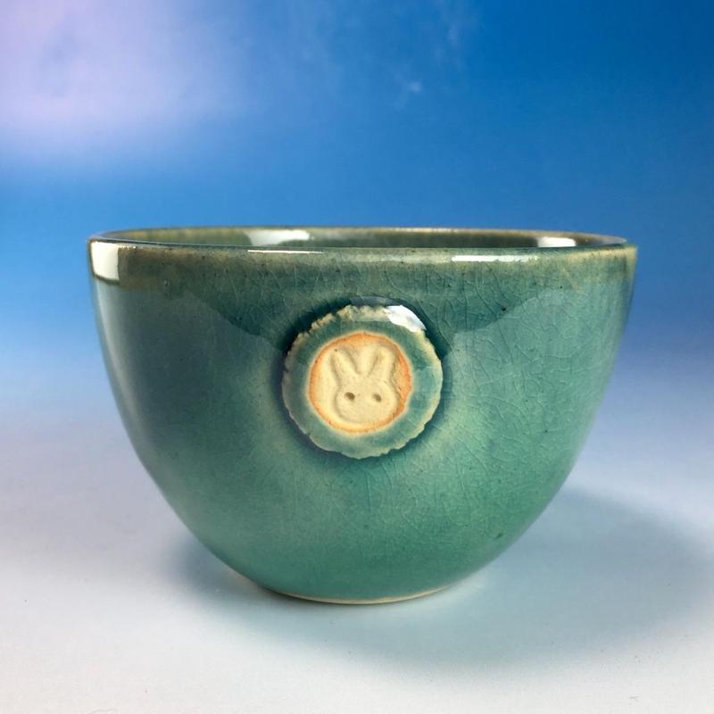 【Y072】海の色の湯呑み茶碗(るり・みどり・うさぎ印)