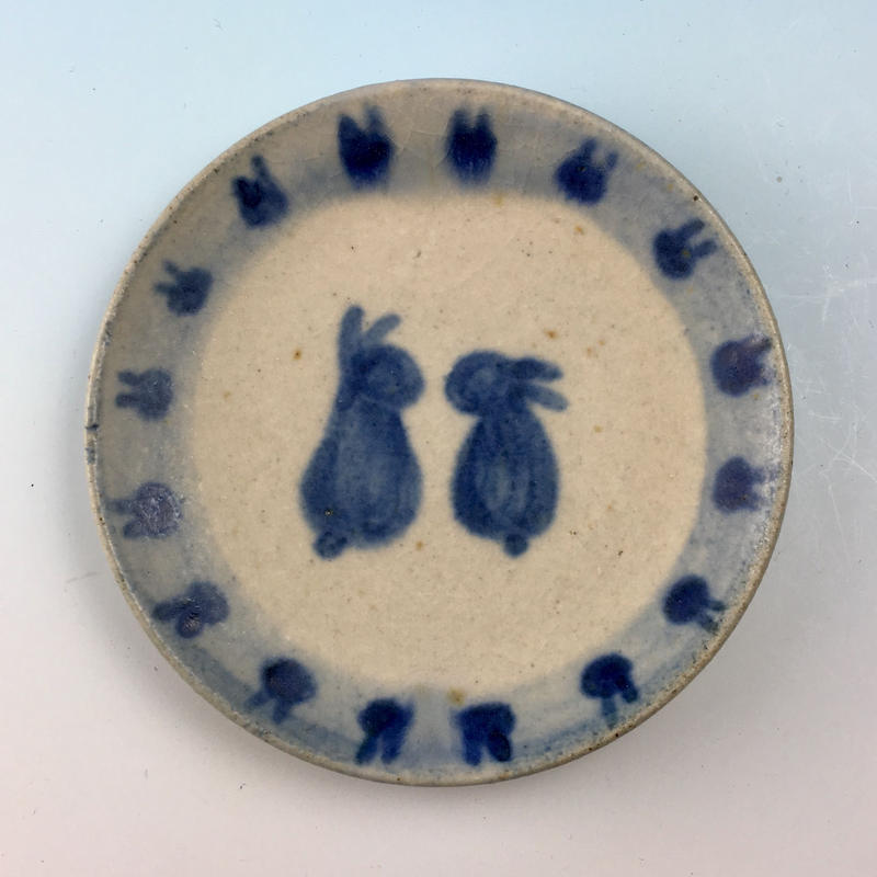 【S040】豆皿(呉須手描き・うさぎ印)