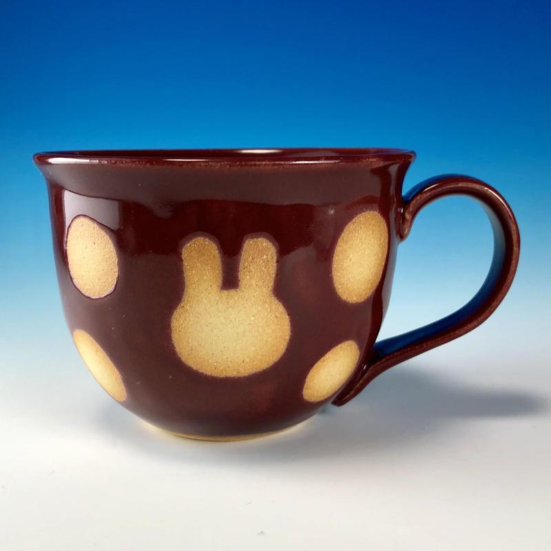 【M204】広口のうさぎ水玉模様のマグカップ大(ボルドー・うさぎ印)