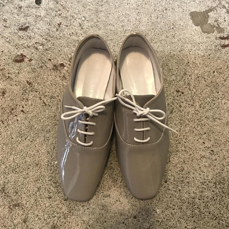 エナメルレースアップシューズ/Grey