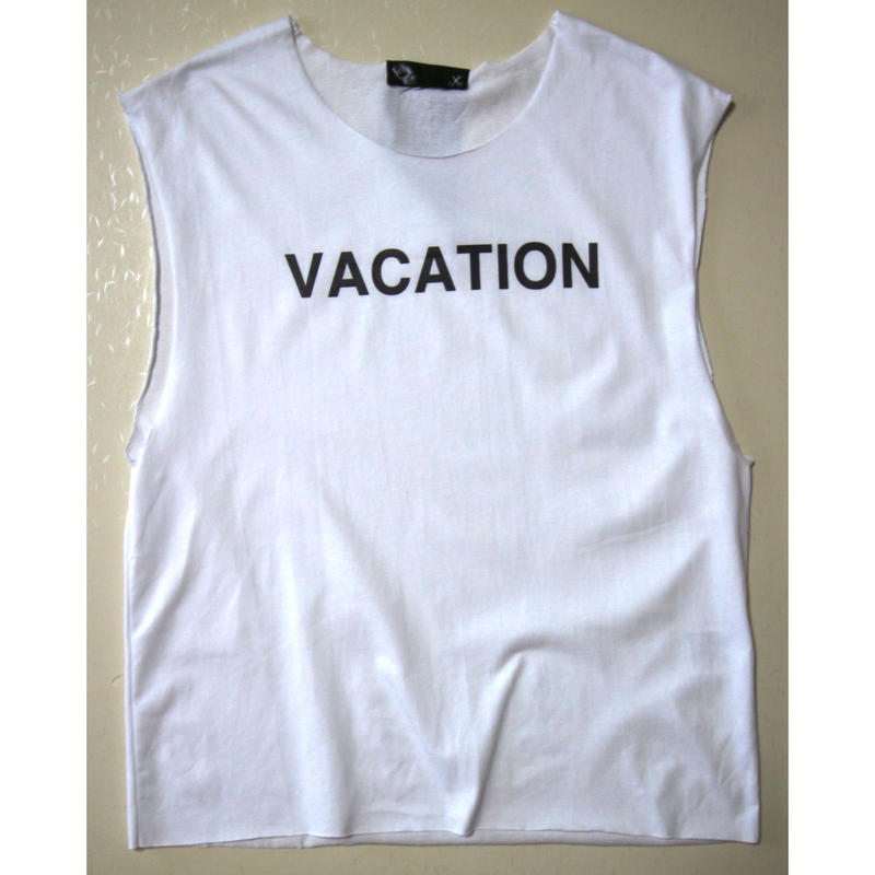 "CUT OFF TEE ""VACATION"""