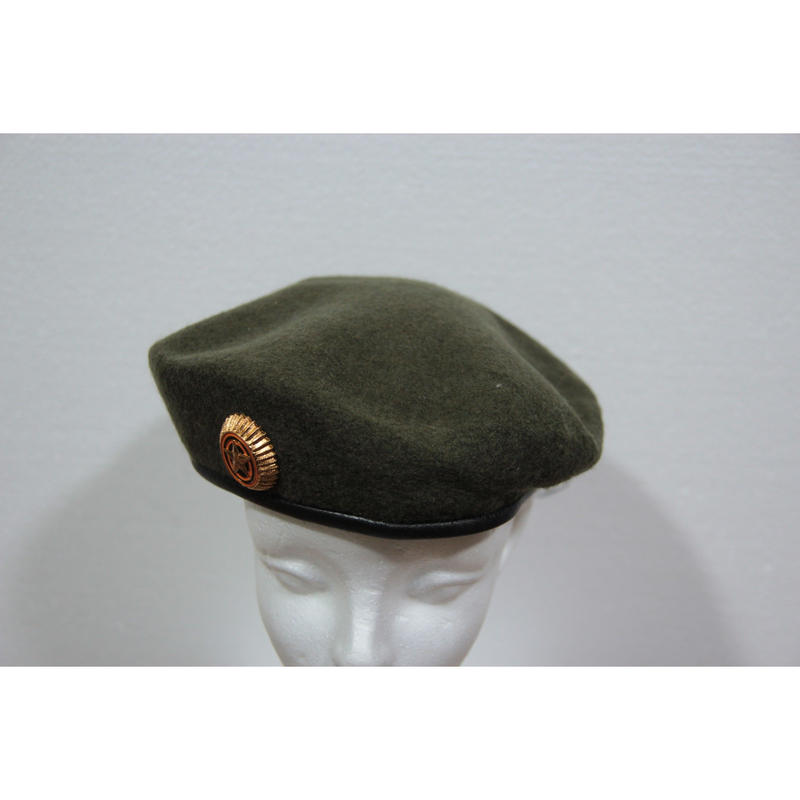ロシア連邦軍 官給品 BTK-Group製 陸軍用 OD ベレー帽 帽章付き