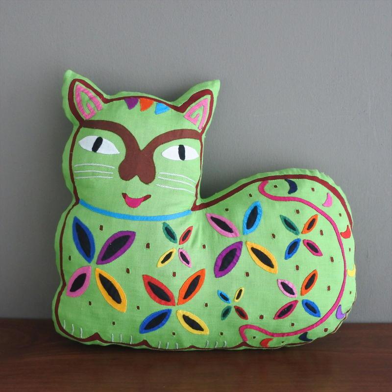 MOLA ネコクッション(黄緑)