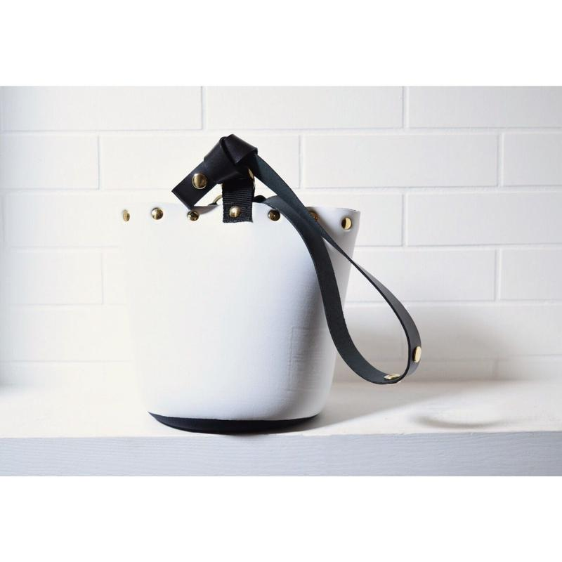 Lozzsandra/Reversible bucket bag