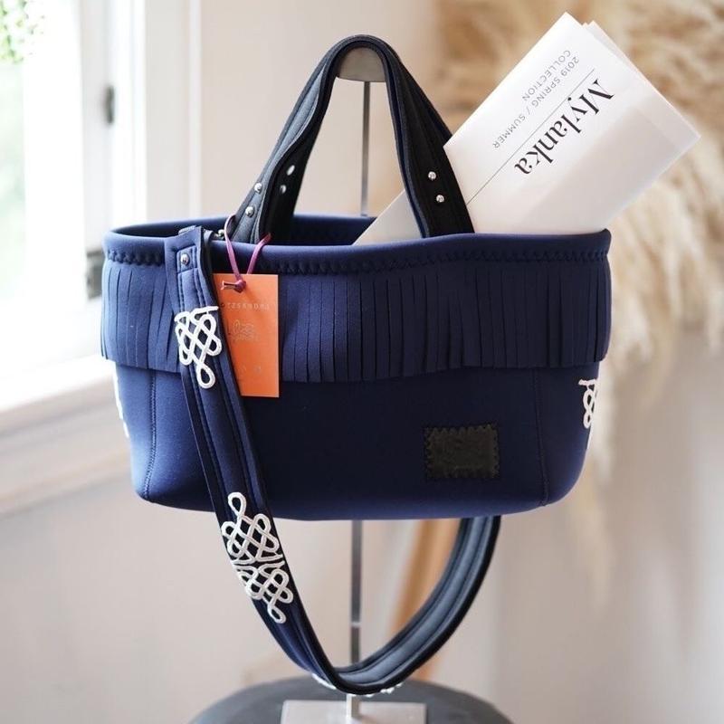 Loss Sandra/fringe tote bag「lace」Navy j
