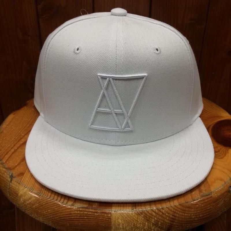 ALIVE(アライブ)スナップバックタイプキャップ LOGO (ロゴ)ALL WHITE(オールホワイト)