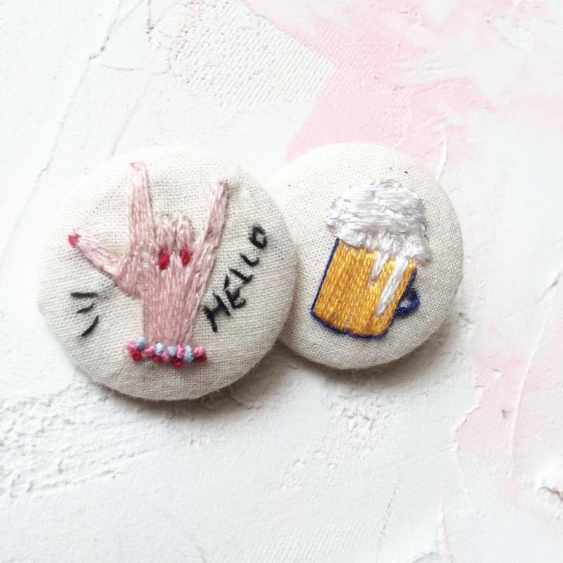 刺繍ボタン♡ HELLO ビール2つセット
