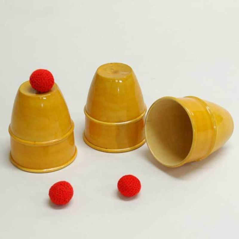 ★手品・マジック★ 木製カップ&ボール★W5133