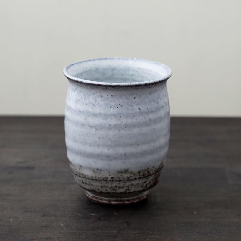 ◆◇陶器 萩焼 輪花◆◇ 湯呑(木箱入) 白景山 作