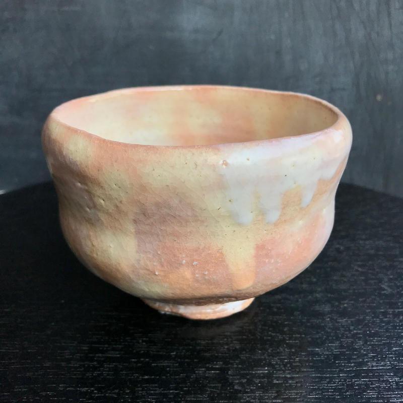 陶器 萩焼 輪花 らく形抹茶碗(木箱入) 林紅陽 作