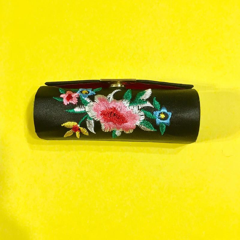口紅ケース 台湾 刺繍 黒