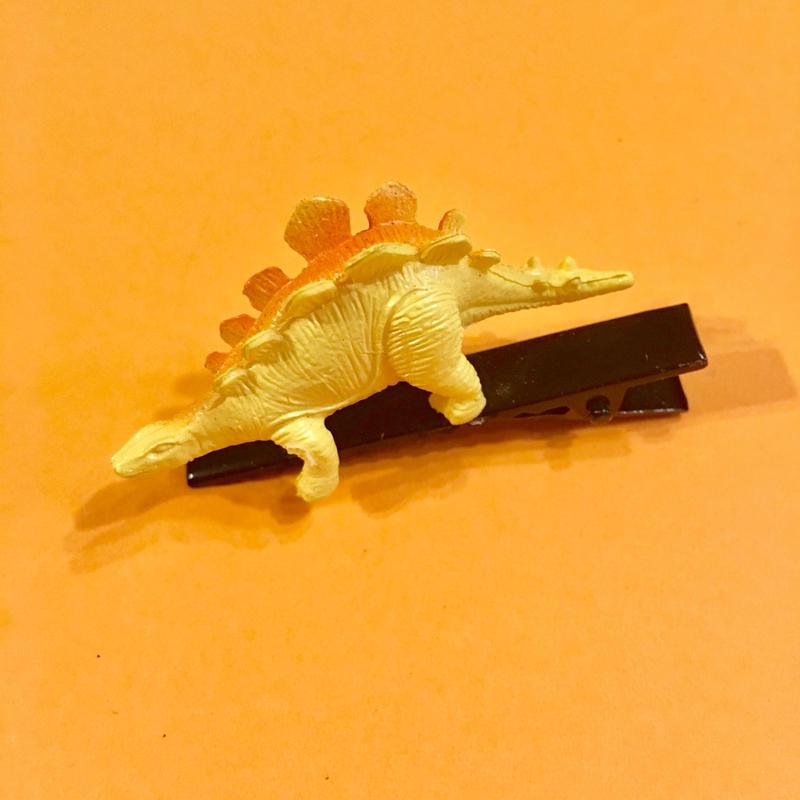 恐竜 ヘアクリップ アクセサリー 黄色 Dinosaur Hair clip yellow