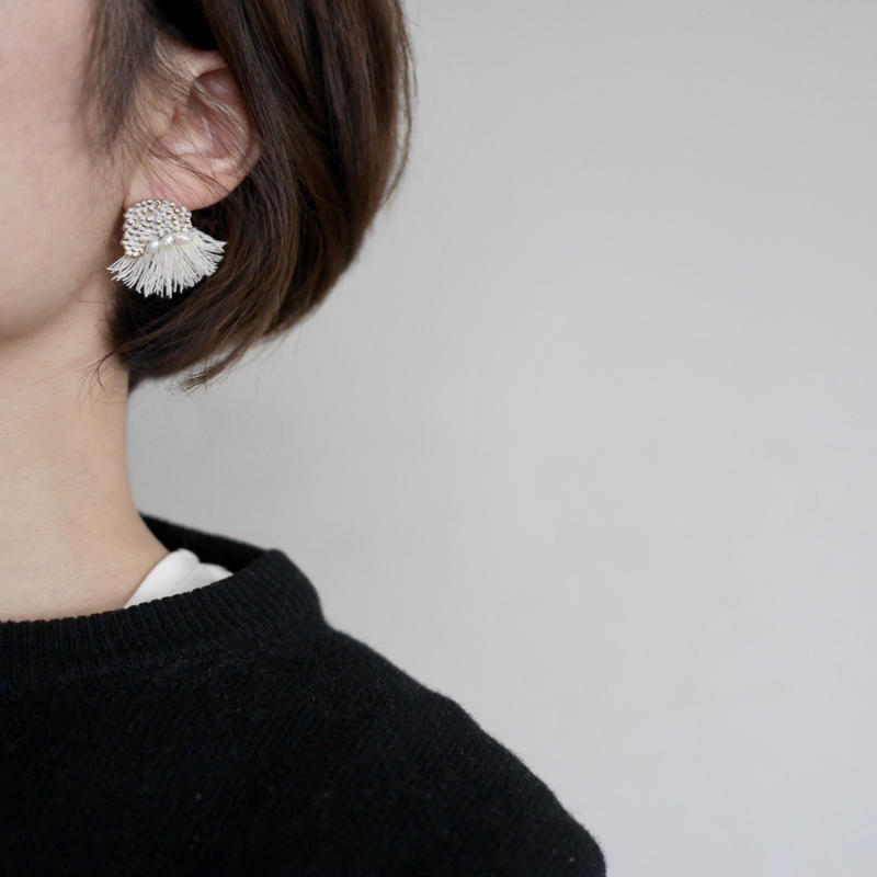 Dot fringe earrings