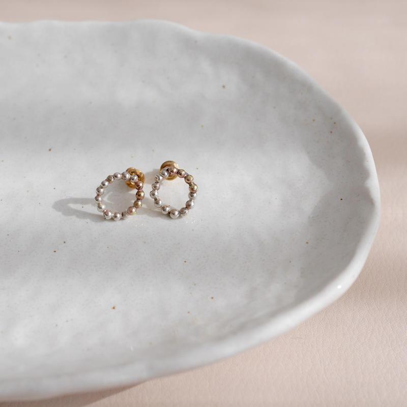 Silver×brass dot earrings