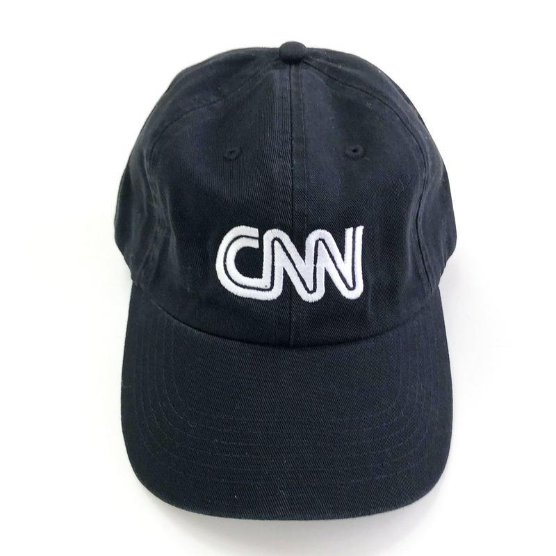 CNN  BASIC LOGO CAP BLACK キャップ