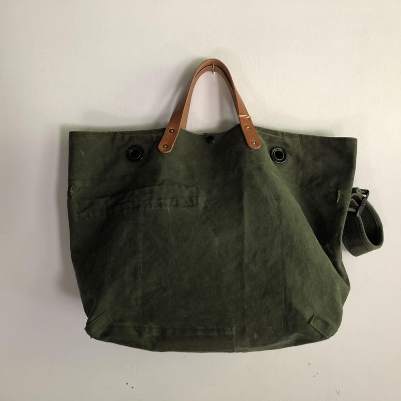 #802 1960's duffle messenger bag